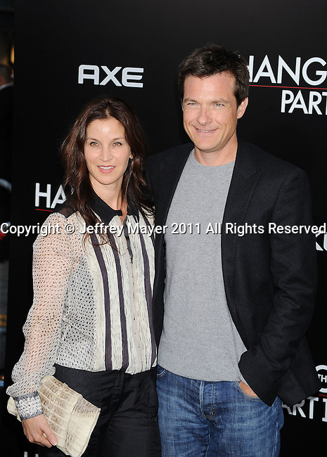 """`HOLLYWOOD, CA - MAY 19: Jason Bateman and wife Amanda Anka arrive at the Los Angeles premiere of """"The Hangover Part II"""" at Grauman's Chinese Theatre on May 19, 2011 in Hollywood, California."""