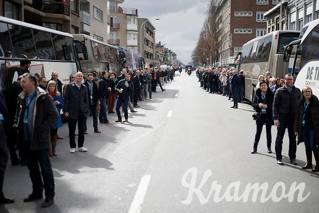 crowds waiting for the peloton to pass through <br /> <br /> 71st Dwars door Vlaanderen (1.HC)
