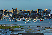 France, Manche (50), Cotentin, Barfleur, labellisé Les Plus Beaux Villages de France, le port  // France, Manche, Cotentin, Barfleur, labelled Les Plus Beaux Villages de France (The Most Beautiful Villages of France), the port