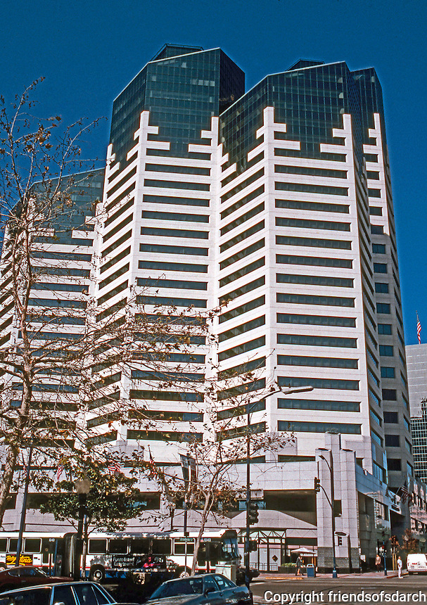 San Diego: Emerald Shapery Center and Pan-Pacific Hotel, 400-402 West Broadway.  C.W. Kim, Architect. (Photo '92)