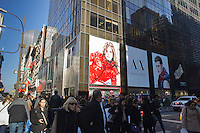 Shoppers on Fifth Avenue in New York during the holiday shopping season, seen on Saturday, November 17, 2012. (© Richard B. Levine)