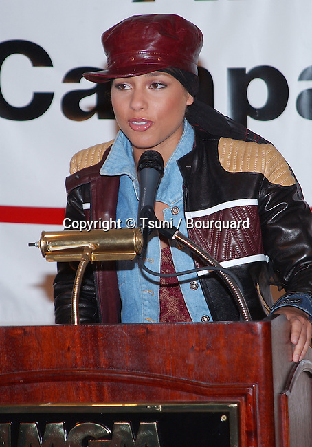 Alicia Keyes as a spoke woman for Artists Again Aid Worldwide press conference at the MGM Grand in Las Vegas - Nevada - (Los Angeles). December 3, 2001.           -            KeyesAlicia01.jpg