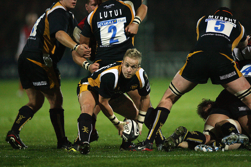 Photo: Rich Eaton...Worcester Warriors v Gloucester Rugby. Guinness Premiership. 13/10/2006. Ryan Powell of Worcester