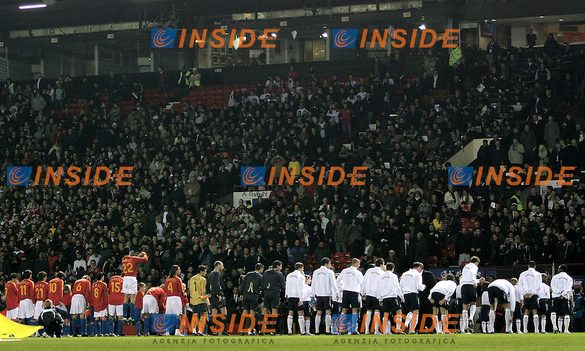 England's and Spain's listen to national anthems before a friendly match at Old Trafford in Manchester, Wednesday February 07, 2007. (INSIDE/ALTERPHOTOS/Alvaro Hernandez).
