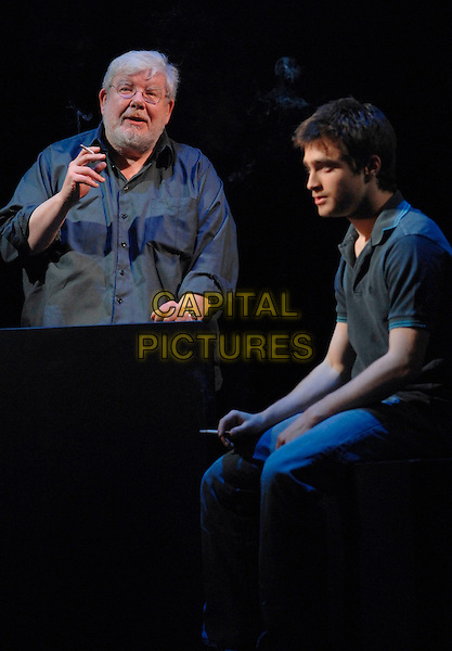 "RICHARD GRIFFITHS & DANIEL RADCLIFFE.Photocall for ""Equus"" at the Gielgud Theatre, Shaftesbury Avenue, London, UK..February 22nd 2007.half length jeans denim profile top blue. CAP/CAN.©Can Nguyen/Capital Pictures"
