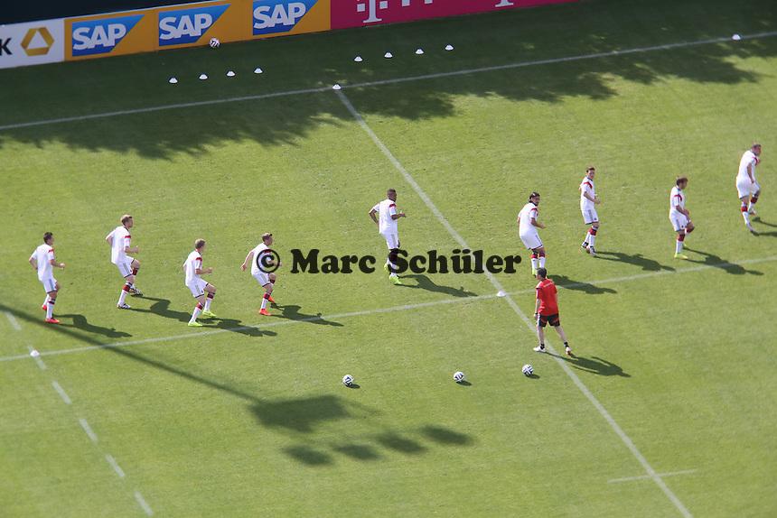 Nationalelf macht sich warm - Testspiel der Deutschen Nationalmannschaft gegen die U20 im Rahmen der WM-Vorbereitung in St. Martin