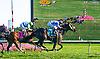 Good Roll winning at Delaware Park on 10/5/16