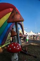 ITU, SP, 02.05.2015 - FESTIVAL-TOMORROWLAND - Movimentação de público durante o festival de musica eletrônica Tomorrowland na Fazenda Maeda na cidade de Itu, interior do estado de São Paulo, neste sábado, 02. (Foto: William Volcov / Brazil Photo Press)
