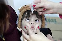"""CAMPINAS, SP 04.08.2018-SAUDE/VACINACAO- A campanha de vacinação contra o sarampo e a paralisia infantil (poliomielite) começa neste sábado (4) no estado de São Paulo e vai até 31 de agosto. A mobilização começa com um """"Dia D"""" extra de vacinação. As Unidades Básicas de Saúde (UBSs), que abrem de segunda a sexta-feira, estarão abertas neste sábado. Crianças e adultos se vacinam na CS do centro da cidade de Campinas, interior de São Paulo. (Foto: Denny Cesare/Codigo19/Agencia O Globo)"""