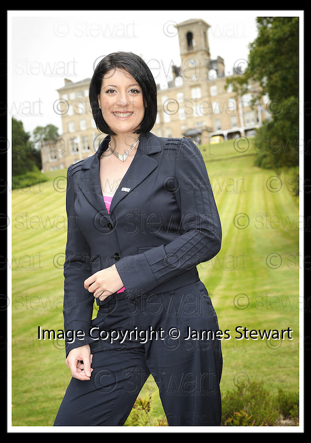 27/08/2009  Copyright  Pic : James Stewart.13_aberlour  .:: ABERLOUR TRUST :: BBC NEWSREADER, CATRIONA SHEARER, WHO HAS BECOME AN ABERLOUR AMBASSADOR :: .James Stewart Photography 19 Carronlea Drive, Falkirk. FK2 8DN      Vat Reg No. 607 6932 25.Telephone      : +44 (0)1324 570291 .Mobile              : +44 (0)7721 416997.E-mail  :  jim@jspa.co.uk.If you require further information then contact Jim Stewart on any of the numbers above.........