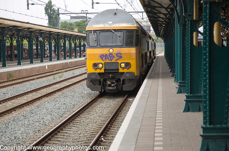 Train at platform, Den Bosch, 's-Hertogenbosch, railway station, North Brabant province, Netherlands