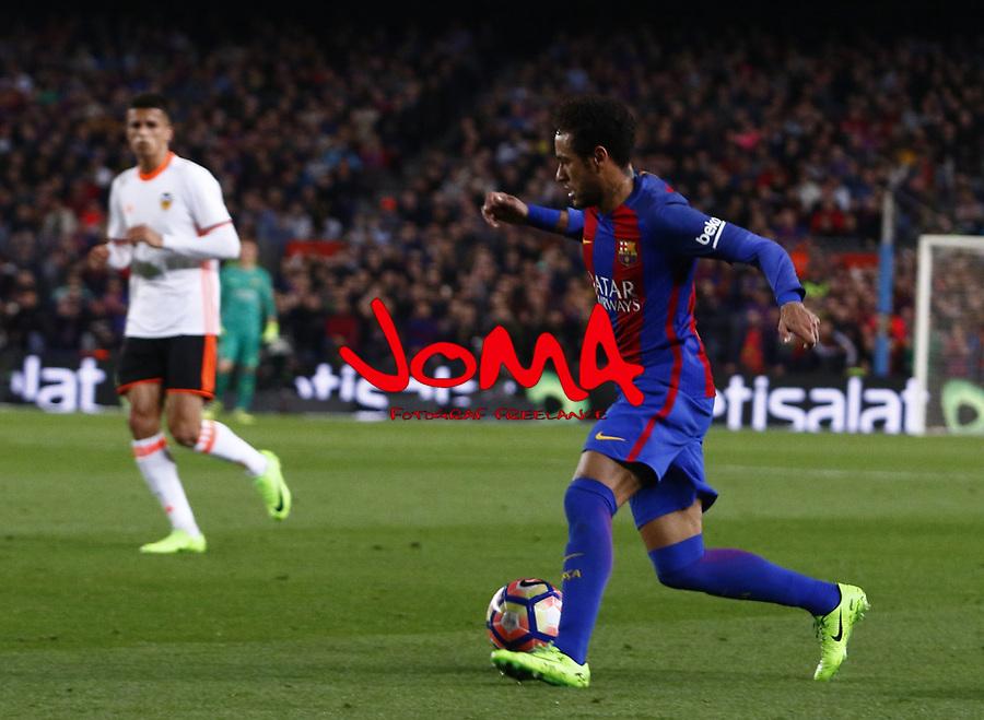 Neymar en el partido de liga entre el FC Barcelopna contra el Valencia en el Camp Nou
