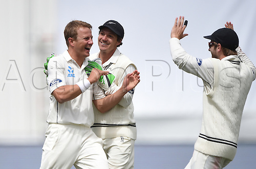 14.12.2015. Dunedin, New Zealand.  Neil Wagner celebrates the wicket of Matthews with BJ Watling during play on day 5 of the 1st cricket test match between New Zealand Black Caps and Sri Lanka at University Oval, Dunedin, New Zealand. Monday 14 December 2015.