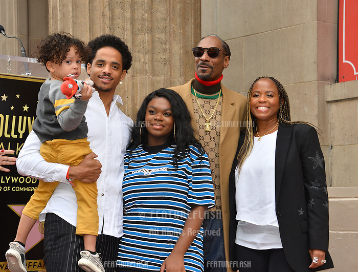 LOS ANGELES, CA. November 19, 2018: Snoop Dogg, Shante Taylor &amp; family at the Hollywood Walk of Fame Star Ceremony honoring Snoop Dogg.<br /> Pictures: Paul Smith/Featureflash