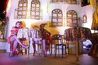 SAO PAULO, SP, 19 DE FEVEREIRO 2012 - CARNAVAL SP - MOCIDADE ALEGRE - Integrante da escola de samba Mocidade Alegre momentos antes do desfile na segunda noite do Carnaval 2012 de São Paulo, no Sambódromo do Anhembi, na zona norte da cidade, neste domingo.(FOTO: ALE VIANNA - BRAZIL PHOTO PRESS).