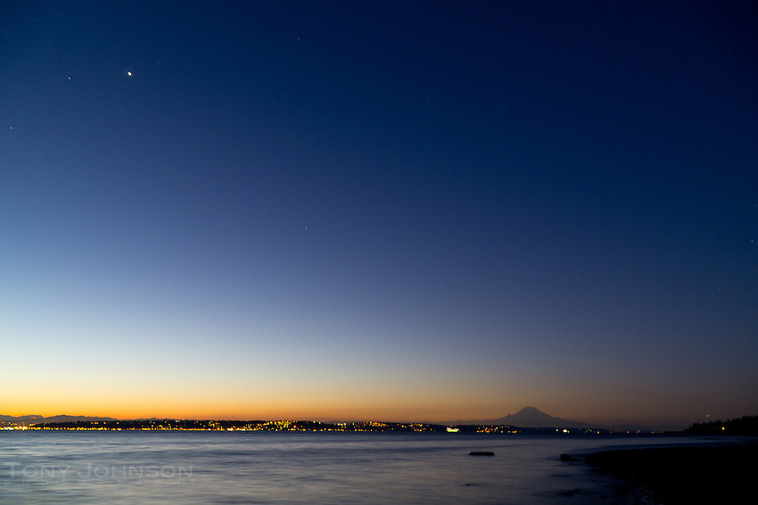 daylight pushes away the night sky with Venus sitting in the transition zone