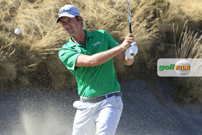 Webb SIMPSON (USA) chips from a bunker at the 6th green during Friday's Round 2 of the 2015 U.S. Open 115th National Championship held at Chambers Bay, Seattle, Washington, USA. 6/20/2015.<br /> Picture: Golffile | Eoin Clarke<br /> <br /> <br /> <br /> <br /> All photo usage must carry mandatory copyright credit (&copy; Golffile | Eoin Clarke)