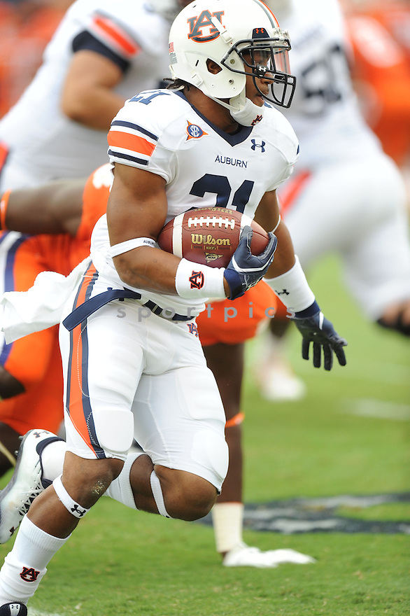 TRE MASON, of the Auburn Tigers, in action during Auburn's game against Clemson on September 17, 2011at Memorial Stadium in Clemson, SC. Clemson beat Auburn 38-24.