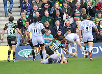 Rugby Union - Aviva Premiership - Northampton Saints vs. Leicester Tigers. Toby Flood of Leicester Tigers scores a try during the Northanpton Saints vs Leicester Tigers Aviva Premiership at Franklin's Gardens, Northampton,