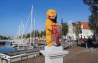 Leeuw bij de Leeuwenbrug in Harlingen