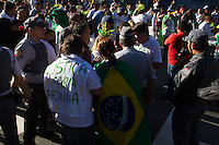 SAO PAULO 04 DE JULHO DE 2013 - Manifestantes da Feira da Madrugada do Bras bloqueiam parte da Av Paulista na tarde desta quarta-feira(04). (Foto: Amauri Nehn/Brazil Photo Press)