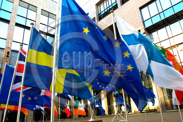 BRUSSELS - BELGIUM - 17 FEB. 2003 -- The European Union and menberstate flags. -- PHOTO: ERIK LUNTANG / EUP-Images