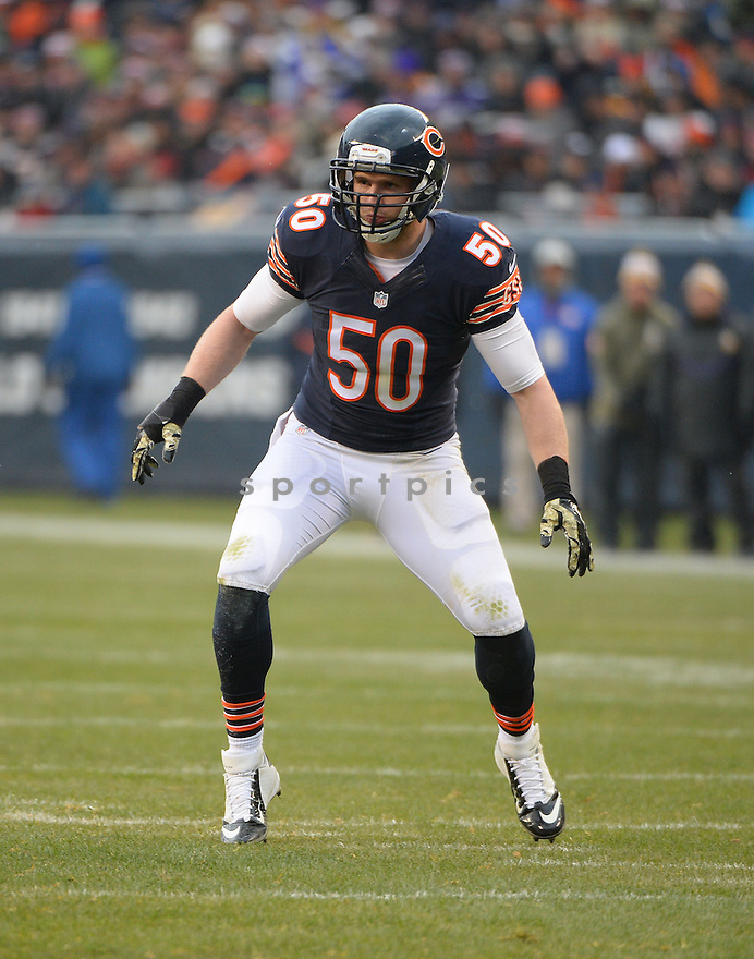 Chicago Bears Shea McClellin (50) during a game against the Minnesota Vikings on November 16, 2014 at Soldier Field in Chicago, IL. The Bears beat the Vikings 21-13.