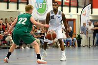 UITHUIZEN - Basketbal , Donar - Groene Uilen met meet en greet na afloop, voorbereiding seizoen 2018-2019, 01-09-2018 Donar speler Jordan Callahan