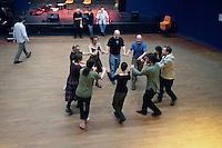 Rond de Saint-Vincent chante par les danseurs