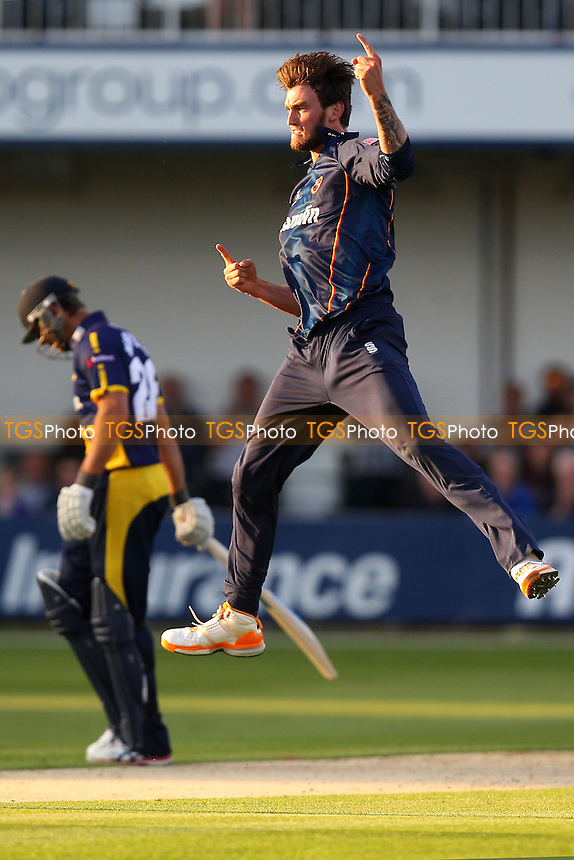 Reece Topley of Essex celebrates the wicket of James Allenby - Essex Eagles vs Glamorgan CCC - NatWest T20 Blast Cricket at the Essex County Ground, Chelmsford - 23/05/14 - MANDATORY CREDIT: Gavin Ellis/TGSPHOTO - Self billing applies where appropriate - 0845 094 6026 - contact@tgsphoto.co.uk - NO UNPAID USE