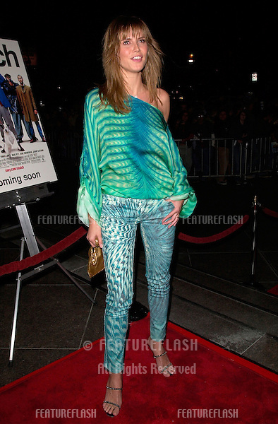 Supermodel HEIDI KLUM at the Los Angeles premiere of Snatch..18JAN2001.  © Paul Smith/Featureflash