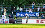 Uppsala 2014-06-26 Fotboll Superettan IK Sirius - IFK V&auml;rnamo :  <br /> V&auml;rnamos supportrar p&aring; plats p&aring; bortal&auml;ktaren p&aring; Studenternas under matchen<br /> (Foto: Kenta J&ouml;nsson) Nyckelord:  Superettan Sirius IKS Studenternas IFK V&auml;rnamo supporter fans publik supporters