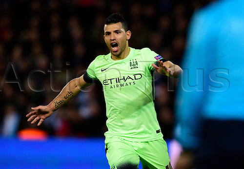 06.04.2016. Paris, France. UEFA CHampions League, quarter-final. Paris St Germain versus Manchester City.  Sergio Aguero ( Manchester city ) celebrates his teams goal
