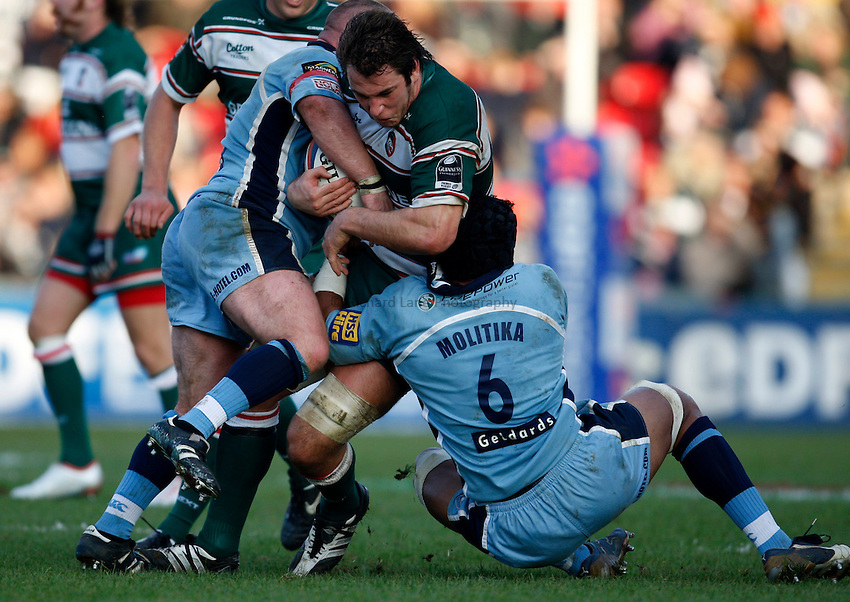 Photo: Richard Lane/Richard Lane Photography..Leicester Tigers v Cardiff Blues. EDF Energy Cup. 03/11/2007. .Tigers' Louis Deacon attacks the Blues' defence.