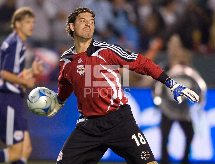 New York Red Bulls goalkeeper Jon Conway (18) throws a ball during a MLS match. The New York Red Bulls defeated the LA Galaxy 2-1 at Home Depot Center Stadium, in Carson, Calif., on Saturday, May 10, 2008.