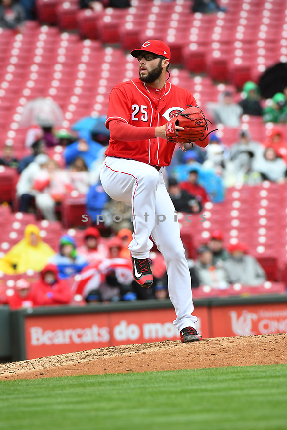 Cincinnati Reds Cody Reed (25) during a game against the Philadelphia Phillies on April 6, 2017 at Great American Ballpark in Cincinnati, OH. The Reds beat the Phillies 4-7.