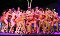 CALI -COLOMBIA-06-11-2015. Un grupo realiza su presentación durante el<br /> lanzamiento de la 2a Bienal de Danza Internacional de Cali realizado en el Boulevard del Río. / A group made  its performance during the launch of the 2nd Biennial International Dance of Cali made at the River Boulevard.  Photo: VizzorImage/Juan C. Quintero/STR