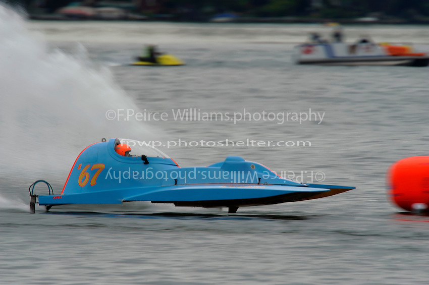"13-14 June, 2009, APBA Inboards, Walled Lake, Novi, MI. USA.Tony Kreitzer, S-67 ""Impossible Dream, 2.5 Litre Stock hydroplane.©F. Peirce Williams 2009 USA.F.Peirce Williams.photography.ref: RAW (.NEF) File Available"