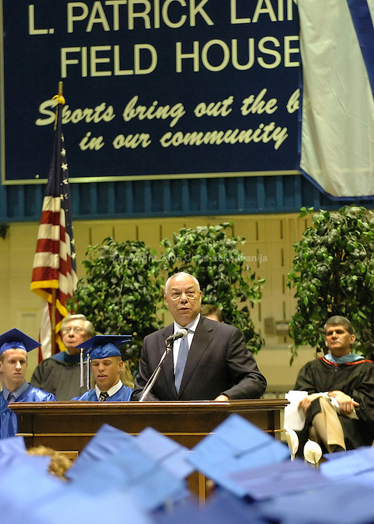 Gen. Colin Powell speaks to the Fairfax High School Graduated, class of 2006