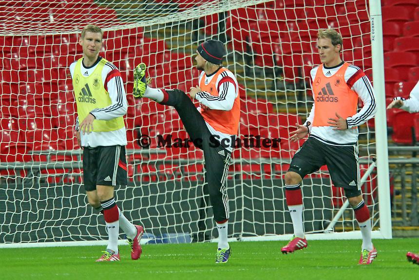 Per Mertesacker, Marcel Schmelzer, Benedikt Höwedes (D) - Abschlusstraining der Nationalmannschaft im Wembley Stadium