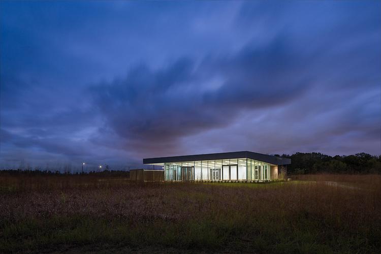 The Grove Lodge at Scioto Grove Metro Park   Paros Architecture + Design