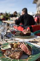"""Europe/France/Rhone-Alpes/74/Haute-Savoie/Megève: Cote de boeuf cuite à la cheminée servie à la terrasse du Restaurant d'Altitude """"l'Idéal"""" au sommet du Mont d'Arbois"""