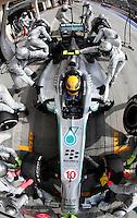 SAKHIR. BAHREIN, 21 ABRIL 2013 - F1 GP DO BAHREIN  - O piloto britanico Lewis .Hamilton da equipe Mercedes GP durante o GP do Bahrein de Fórmula 1, no circuito international de Sakhir, neste domingo (21). FOTO: PIXATHLON / BRAZIL PHOTO PRESS).
