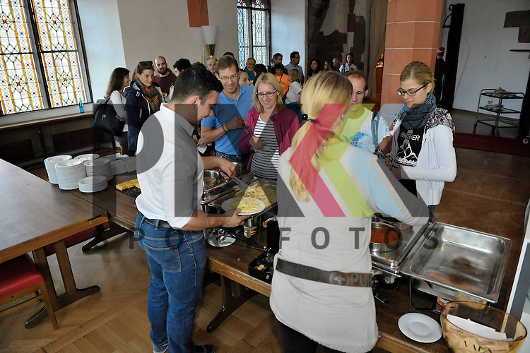 Nudelparty GELITA Trailmarathon Heidelberg.<br /> <br /> Foto &copy; Rhein-Neckar-Picture *** Foto ist honorarpflichtig! *** Auf Anfrage in hoeherer Qualitaet/Aufloesung. Belegexemplar erbeten. Veroeffentlichung ausschliesslich fuer journalistisch-publizistische Zwecke. For editorial use only.