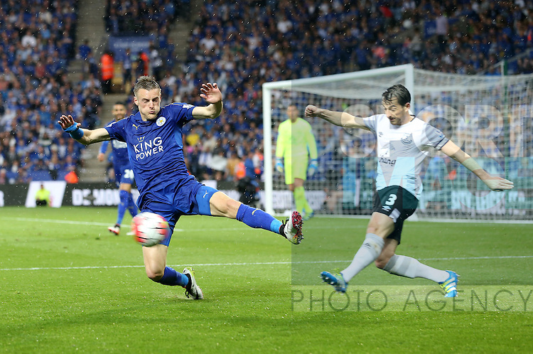 Leicester's Jamie Vardy tussles with Everton's Leighton Baines during the Barclays Premier League match at the King Power Stadium.  Photo credit should read: David Klein/Sportimage