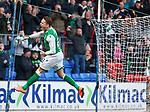 09.11.2019 St Johnstone v Hibs: Scott Allan scores goal no 3 and celebrates