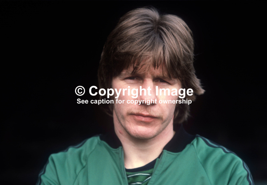 Gerry McElhinney, footballer, N Ireland, international, Bolton Wanderers, former amateur boxer and Gaelic footballer. 19820223014GME..Copyright Image from Victor Patterson, 54 Dorchester Park, Belfast, UK, BT9 6RJ..Tel: +44 28 9066 1296.Mob: +44 7802 353836.Voicemail +44 20 8816 7153.Skype: victorpattersonbelfast.Email: victorpatterson@me.com.Email: victorpatterson@ireland.com (back-up)..IMPORTANT: If you wish to use this image or any other of my images please go to www.victorpatterson.com and click on the Terms & Conditions. Then contact me by email or phone with the reference number(s) of the image(s) concerned.