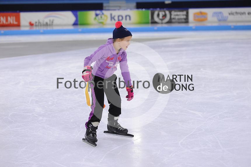 SCHAATSEN: HEERENVEEN: 21-12-2016, IJsstadion Thialf, ©foto Martin de Jong SCHAATSEN: HEERENVEEN: 21-12-2016, IJsstadion Thialf, Jeugdschaatsen, ©foto Martin de Jong