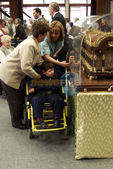 Visitors to the relics of St. Therese in the MMM Convent..Picture: Paul Mohan/Newsfile