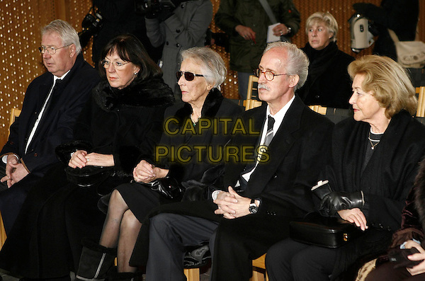 KARIN BECKMANN & HUSBAND, URSULA TAPPERT, RALPH (son).Horst Tappert's funeral, Gräfelfing cemetery near Munich, Germany..January 5th, 2009.grave burial black Derrick sunglasses shades widow daughter family sitting.CAP/PPG/TF.©T.Furthmayr/People Picture/Capital Pictures